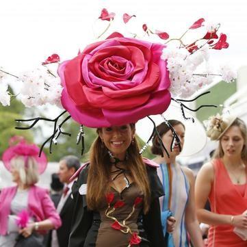 Найбезглуздіші капелюшки на Королівських кінних перегонах