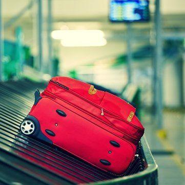 Як швидко і компактно скласти речі у валізу