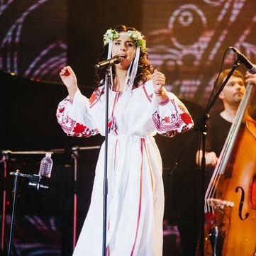 На Alfa Jazz Fest Джамала постала у розкішній вишиванці (фото)