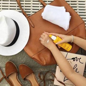 5 косметичних засобів, які допомагають рятуватися від спеки