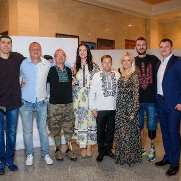 Соломія Вітвіцька, Антоніна Матвієнко та герої АТО презентували проект Переможці у Черкасах