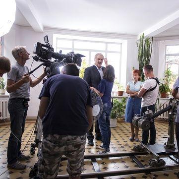 Зйомки серіалу «Село на мільйон» під загрозою: Зіркові актори відмовилися працювати зі своїм колегою