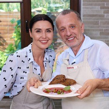 Савва Лібкін і Людмила Барбір приготують гаспачо для родини Посла Іспанії в Україні
