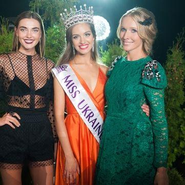 Міс Україна 2016 завітала в студію програми «Світське життя» в короні за 250 тисяч доларів та з охороною