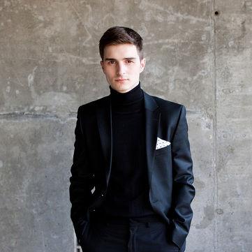 Учасник Голос країни Андрій Лучанко змінив імідж і в прямому ефірі зробив пропозицію Христині Соловій