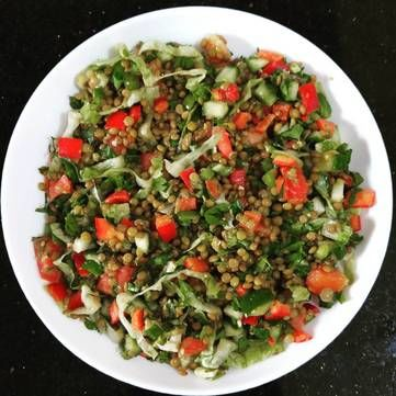 Салат із авокадо та сочевицею: Рецепти Руслана Сенічкіна