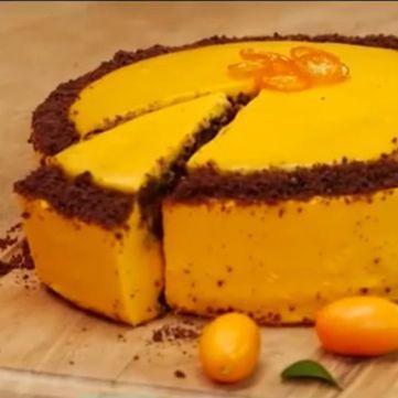Шоколадний торт з гарбузово-помаранчевим кремом