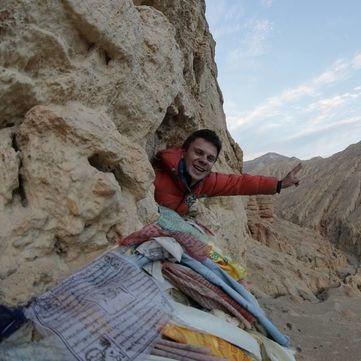 Дмитро Комаров змусив оператора стрибнути з висоти 160 метрів