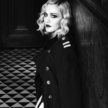 Спокуслива Мадонна знялася у чорно-білій фотосесії