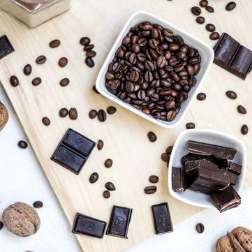 Рецепти Руслана Сенічкіна: Шоколадний батончик з горіхами та кокосом