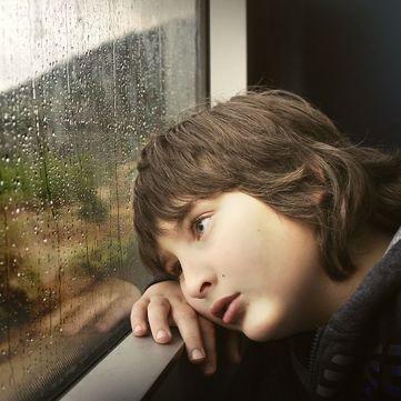Чому виникає метеозалежність і як позбутися симптомів