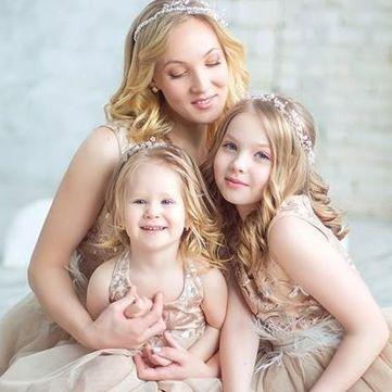 Дружина та доньки Кошового знялися у казковій фотосесії (фото)