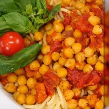 Пісна італійська паста з томатним соусом за рецептом Едуарда Насирова