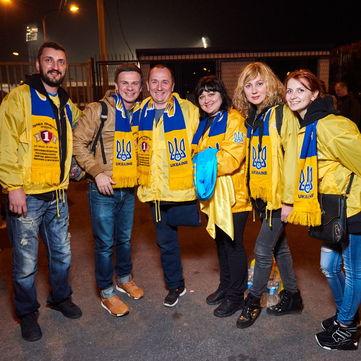 «Переможці» та хорватські ветерани у жовто-синіх шарфах зіграли в футбол