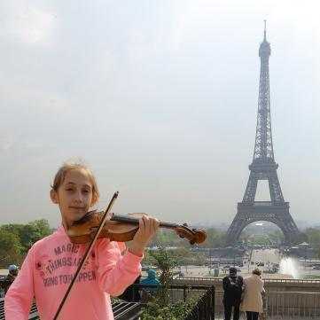 11-річна львів'янка підкорила Францію грою на скрипці