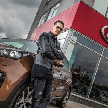 Соліст гурту O.Torvald Женя Галич став обличчям бренду Kia в Україні