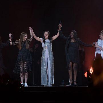 Ніні Цнобіладзе, Наіле Ібрагімова, Кемі Оке і Анна Кукса  заспівали разом із Джамалою на її концерті (відео)