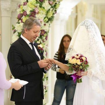 У проекті «Одруження наосліп» розкажуть, як привабити сильного чоловіка