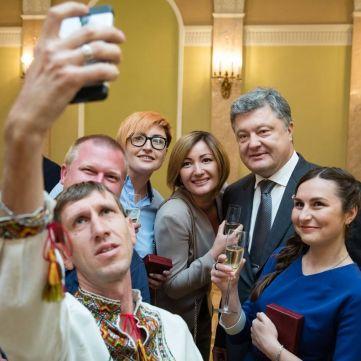 Президент нагородив журналіста і операторів ТСН орденом «За заслуги» ІІІ ступеня