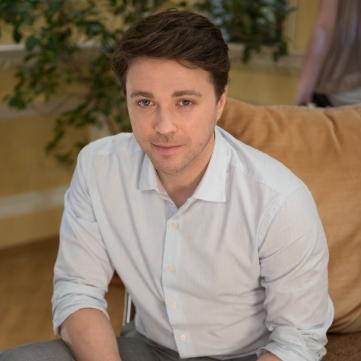 Де і з ким Олександр Попов відсвяткував день народження (відео)