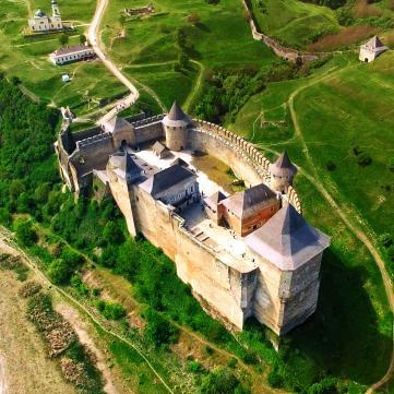 5 архітектурних див України, які варто побачити на власні очі