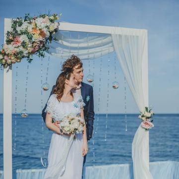 Романтичні та щасливі: Перша подружня фотосесія ведучого ТСН Святослава Гринчука
