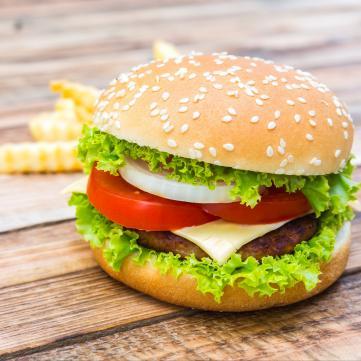 Простий рецепт ідеального бургера від Руслана Сенічкіна
