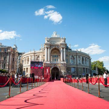 Одеський кінофестиваль роздав «Золотих Дюків»