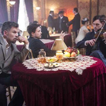 Марк Дробот і Олександр Попов змінилися до невпізнання у новому серіалі «1+1»