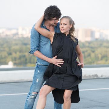 У день 30-річчя «Брудних танців»  Катерина Кухар та Олена Шоптенко відтворили танець із культової стрічки (відео)
