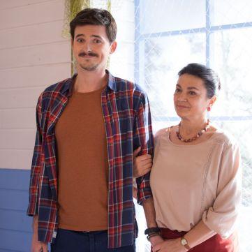 Які родинні стосунки пов'язують акторів серіалу Догори Дриґом у реальному житті
