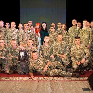 Соломія Вітвіцька разом з Світланою Тарабаровою та ветеранами АТО представила  проект «Переможці-2» у Полтаві
