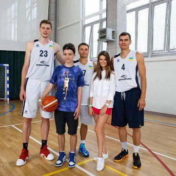 Юристи та герої АТО 20 вересня зіграють в баскетбол заради  Дениса Куліша і його мрії зустрітися з Майклом Джорданом