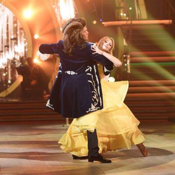 Хто «наставив роги» партнеру Полякової та з чого створена найхрупкіша сукня Дорофеєвої: Оновлений стиль Танців з зірками