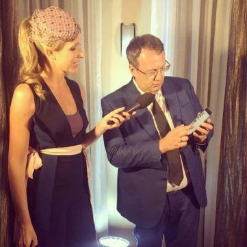 Радник міністра МВС Антон Геращенко показав Каті Осадчій свій плей-лист та зізнався, що слухає Лепса