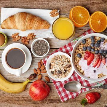 Ідеальний сніданок: 5 продуктів, які дають енергію зранку
