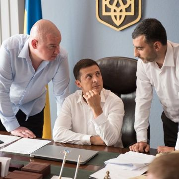 Володимир Зеленський приїхав на роботу без одягу