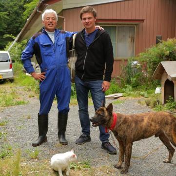 Чоловік залишився у зоні відчуження Фукусіми, щоб рятувати тварин