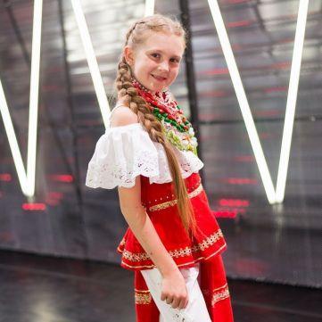 Учасниця Голосу. Діти здивувала виконанням української пісні китайською мовою