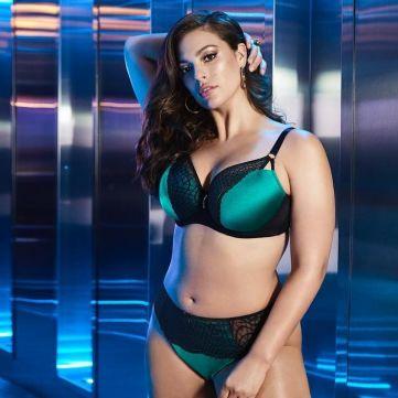 Відома модель plus-size стала «янголом» Victoria's Secret
