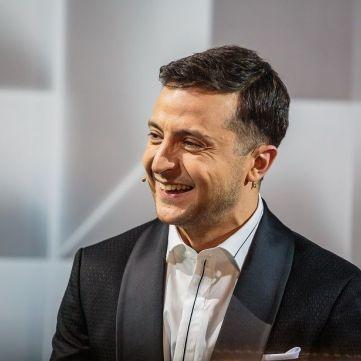 Володимир Зеленський опинився в ліжку з Олею Поляковою