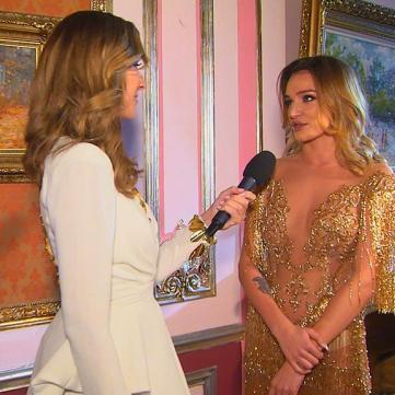Донька Михайла Добкіна на модному показі продемонструвала розкішну сукню