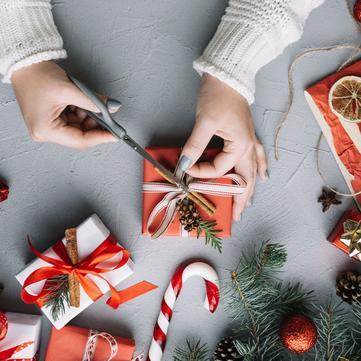 Як красиво і оригінально упакувати подарунок своїми руками