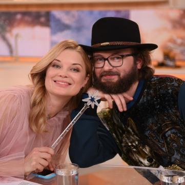 Зустріч із Вакарчуком, зйомки у фільмі Сеітаблаєва: у «Сніданку з 1+1» триває благодійний аукціон