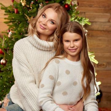 Лідія Таран у новорічній фотосесії показала, як виросла її донька