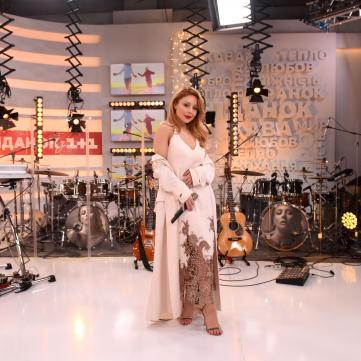 Фоторепортаж: Тіна Кароль дала концерт наживо у музичному спецвипуску Сніданку з 1+1