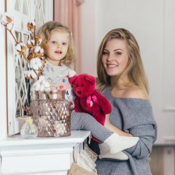 У мережі з'явилися теплі фото переможниці Модель Xl з дочкою