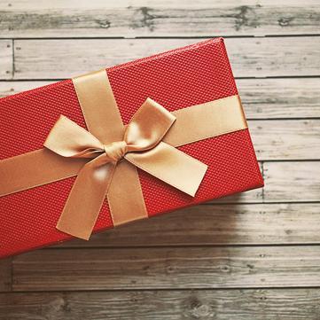 Позбутися зайвого: Куди можна віднести непотрібні подарунки та речі