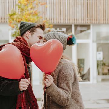 5 подарунків до Дня закоханих, які варто придбати вже зараз