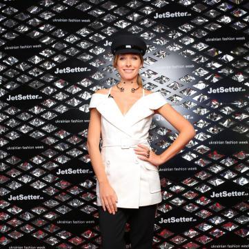 5 модних трендів в образах Каті Осадчої на UFW'18